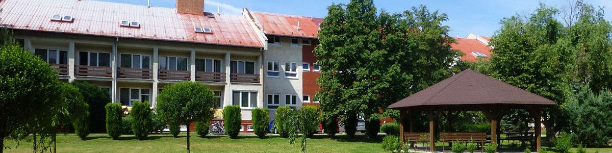 Budova a altánok DSS Košúty